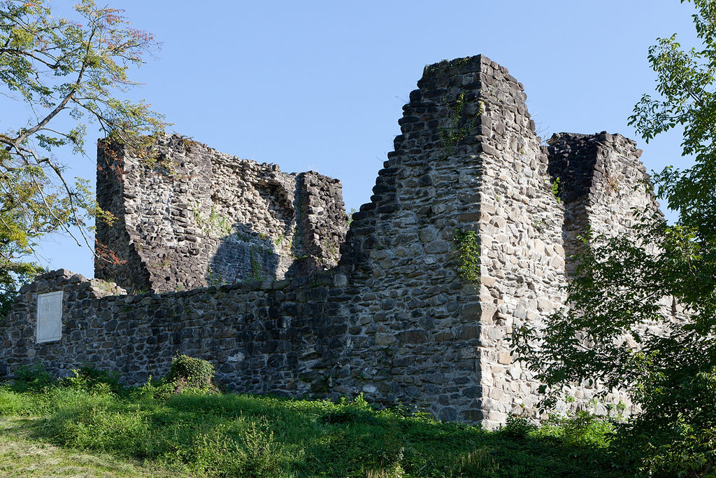 The castle of Attinghausen by Roland Zumbuehl/Wikimedia  Commons CC-BY-3.0
